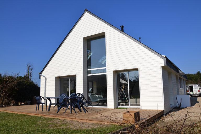 Rénovation - création d'ouverture, bardage et isolation par l'extérieur.