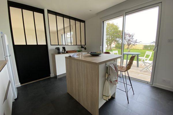 Cloison vitrage atelier dans cuisine