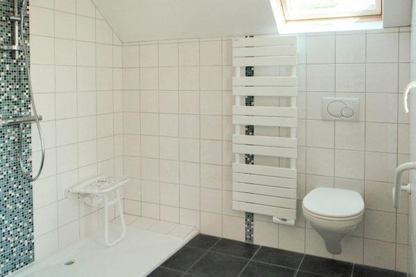 Rénovation - extension Plouguerneau .Salle d'eau accessible.