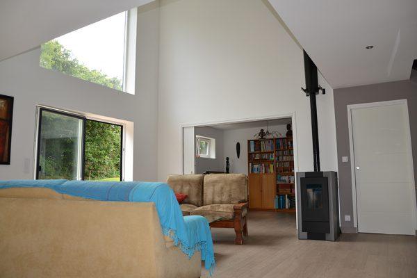 Salon déplafonné maison ossature bois