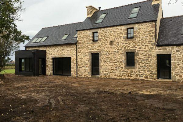 Rénovation - extension ossature bois et pierres apparentes