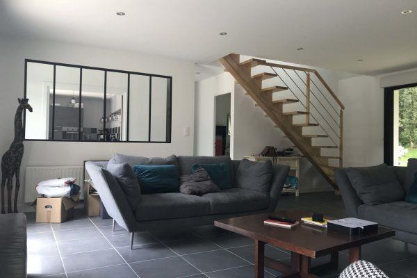 Rénovation intérieure, vitrage atelier, escalier limon central